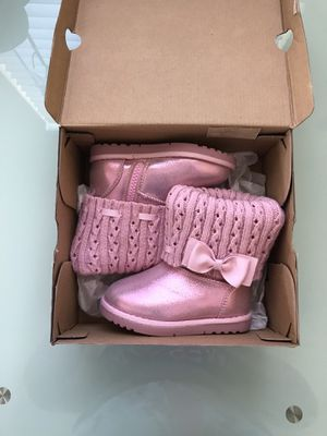 Toddler Girls Arizona Boots - Pink. for Sale in Tampa, FL