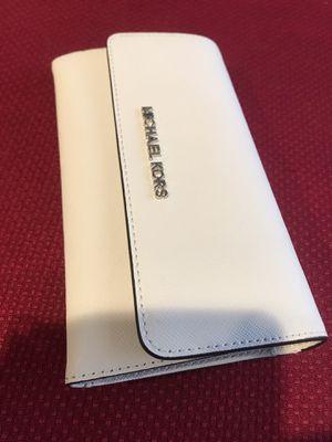 Wallet Michael Kors original Nueva for Sale in San Bernardino, CA