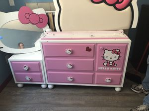 Twin hello kitty bedroom set for Sale in Las Vegas, NV