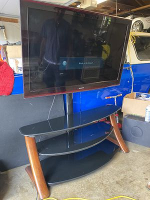 55 inch tv with stand for Sale in Federal Way, WA