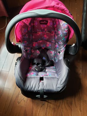 Evenflo car seat used only a few times for Sale in Toney, AL