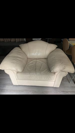 White Leather Couch for Sale in San Diego, CA