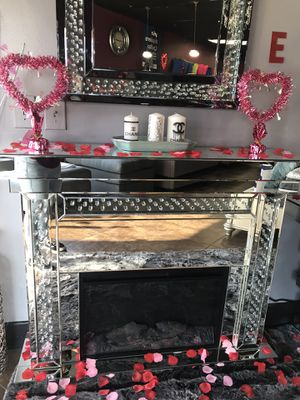 Brand New mirrored chimney with matching mirror for Sale in Victorville, CA