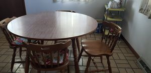 Dining Table w/ 6chairs & 2 leafs for Sale in Davenport, IA