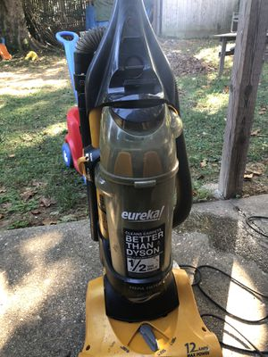 Eureka vacuum Air speed gold with Hepa filter for Sale in Silver Spring, MD