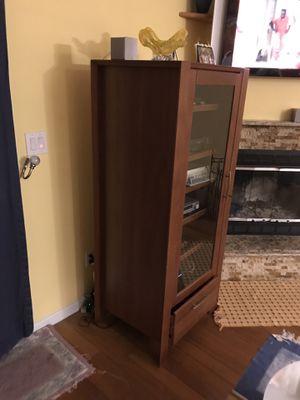 6 shelf cabinet for Sale in Woodbridge Township, NJ