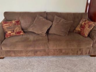 Brown Large Microfiber Couch - FREE DELIVERY for Sale in Pickerington,  OH