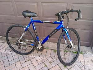 Road bike with brand new tires. for Sale in Winter Garden, FL