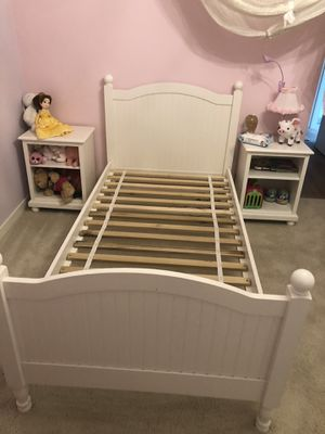 Potterybarn kids Catalina twin bed for Sale in Bothell, WA