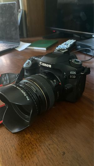 Canon 80D- like new condition body only for Sale in Eno Valley, NC