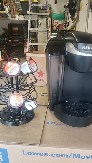KEURIG single coffee brewer + pod stand for Sale in Irvine, CA