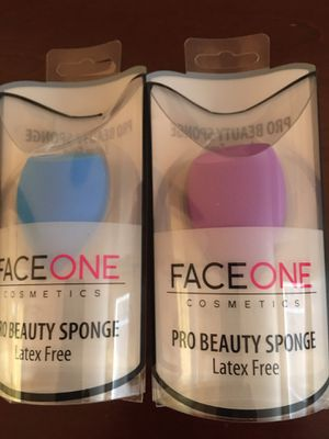 Beauty blender, 2 sponges for Sale in Peoria, AZ