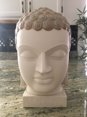 Lladro Buddha II Porcelain Sculpture for Sale in Henderson, NV