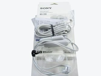Sony WI-C310 Wireless In-Ear Headset/Headphones With Mic For Phone Call, White (WI-C310/W) LN for Sale in La Puente,  CA