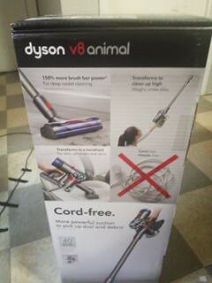 Dyson v8 animal for Sale in Chelsea, MA