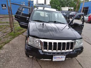 04 Jeep Cherokee ...runs but hit on right frt for Sale in Cleveland, OH