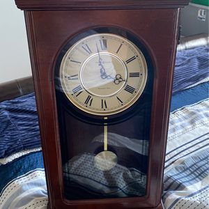 Howard Miller VINTAGE Wall Clock for Sale in Clermont, FL