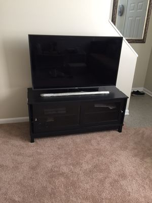 """Samsung 50"""" smart tv for Sale in Cleveland, OH"""
