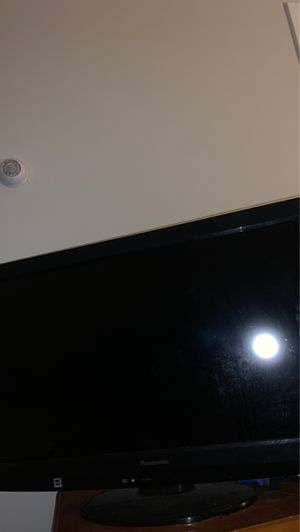 PANASONIC 38 INCH TV for Sale in Boston, MA