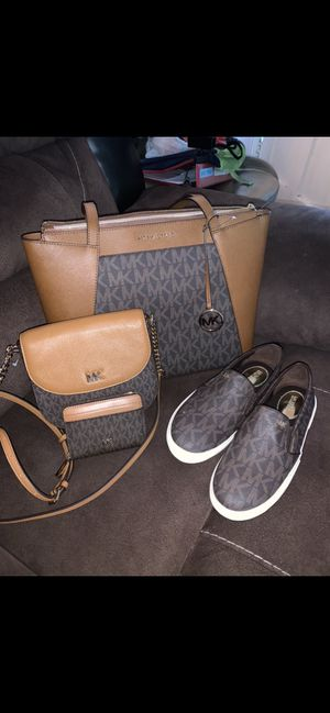 MICHAEL KORS SET NWT🌹🌷🌹🌷 Michael Kors Keaton Slip-On Logo Sneakers size 8 I'm only selling as a set Serious inquires only please Low offers will be for Sale in Montebello, CA