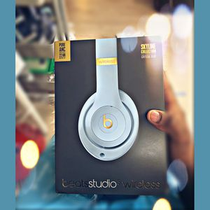 Beats Studio 3 Wireless limited edition sky blue for Sale in Phoenix, AZ