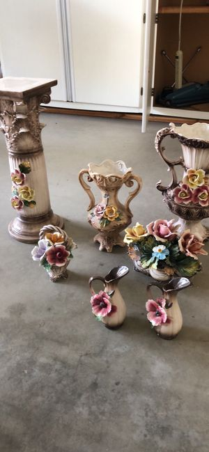 Capodimonte collectible vases and more for Sale in Fresno, CA