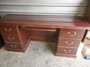 5pc Executive Office Furniture Set. for Sale in Arlington, TX