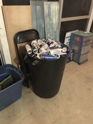 Free cans!!! for Sale in Mesa, AZ
