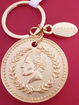 New Caesar's Palace goldtone coin keychain for Sale in Fullerton, CA