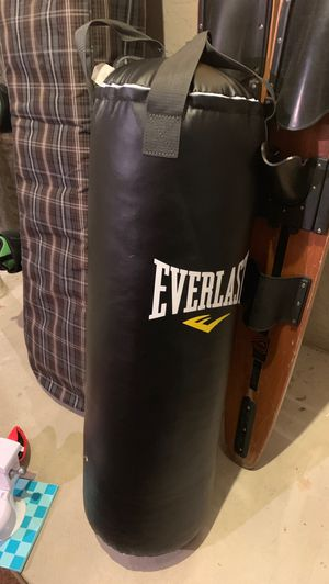 Everlast punching bag for Sale in undefined