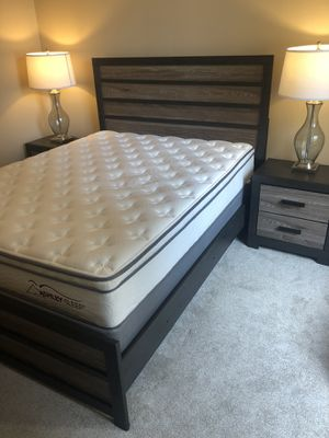 Ashley Furniture- Queen Bedroom Set for Sale in Chicago, IL