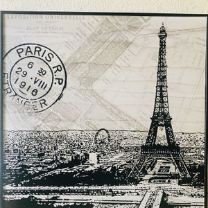 Paris Themed Picture with 2 Eiffel Tower Lamps. for Sale in Merced, CA