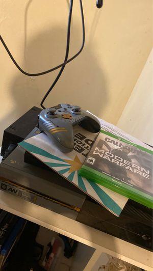 Xbox one 1tb w/ MW for Sale in Phoenix, AZ