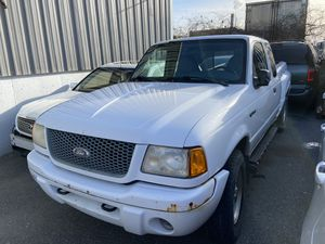 2001 Ford ranger 108,000 miles frame broken parts only engine and transmission is good for Sale in Revere, MA