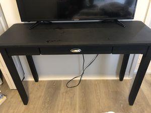 Medium tv stand/desk for Sale in Fort Lauderdale, FL