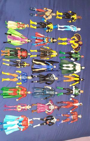 26 piezas Lote de muñecos precio firme for Sale in Los Angeles, CA