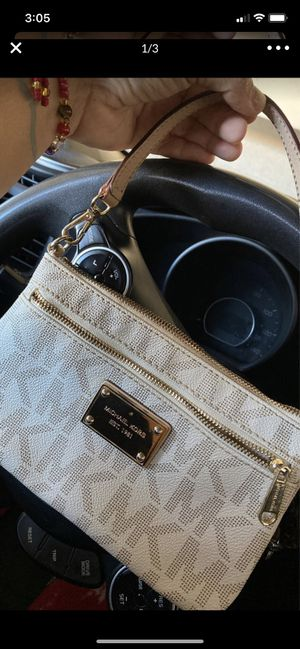 Bolsa MICHAEL KORS D MANO😍♥️ for Sale in Gardena, CA