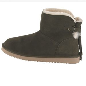 Koolaburra by UGG Jaelyn Mini Suede boots for Sale in San Carlos, CA