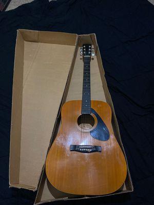 Acoustic guitar sungeum for Sale in Douglasville, GA