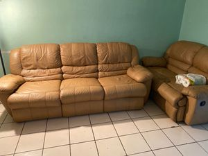 Sofa free for Sale in Oakland Park, FL