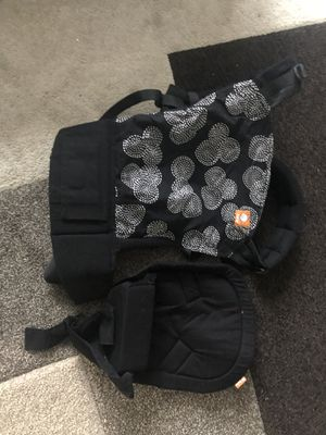 Tula Baby Carrier with Infant Insert for Sale in Aurora, CO