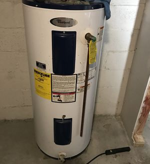 Electric Water Heater 220V 40gallon for Sale in Methuen, MA