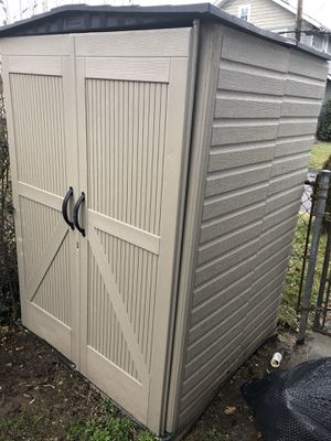 Stand up shed for Sale in Charleroi, PA