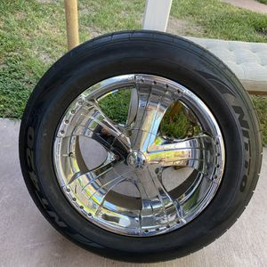6 Lug Universal Rims for Sale in Los Angeles, CA