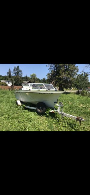 Boat trailer and engine all for only $800 for Sale in Bellevue, WA