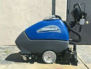COMMODORE 20 CARPET EXTRACTOR for Sale in Newark, CA