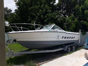 1992 bayliner trophy 20.1 ft for Sale in Dania Beach, FL