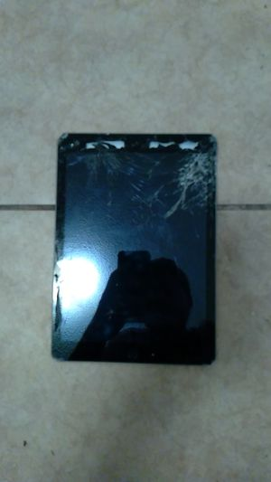 iPad 5th generation 32GB for Sale in Houston, TX