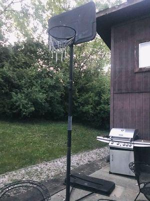 basketball hoop for Sale in Glen Ellyn, IL