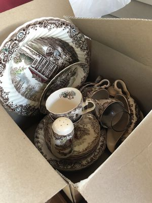 China set (there is more part of this set) (plates, gravy boat, tea cups...) for Sale in Marietta, GA